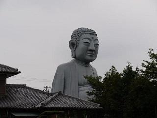 布施の大仏(愛知県江南市).jpg